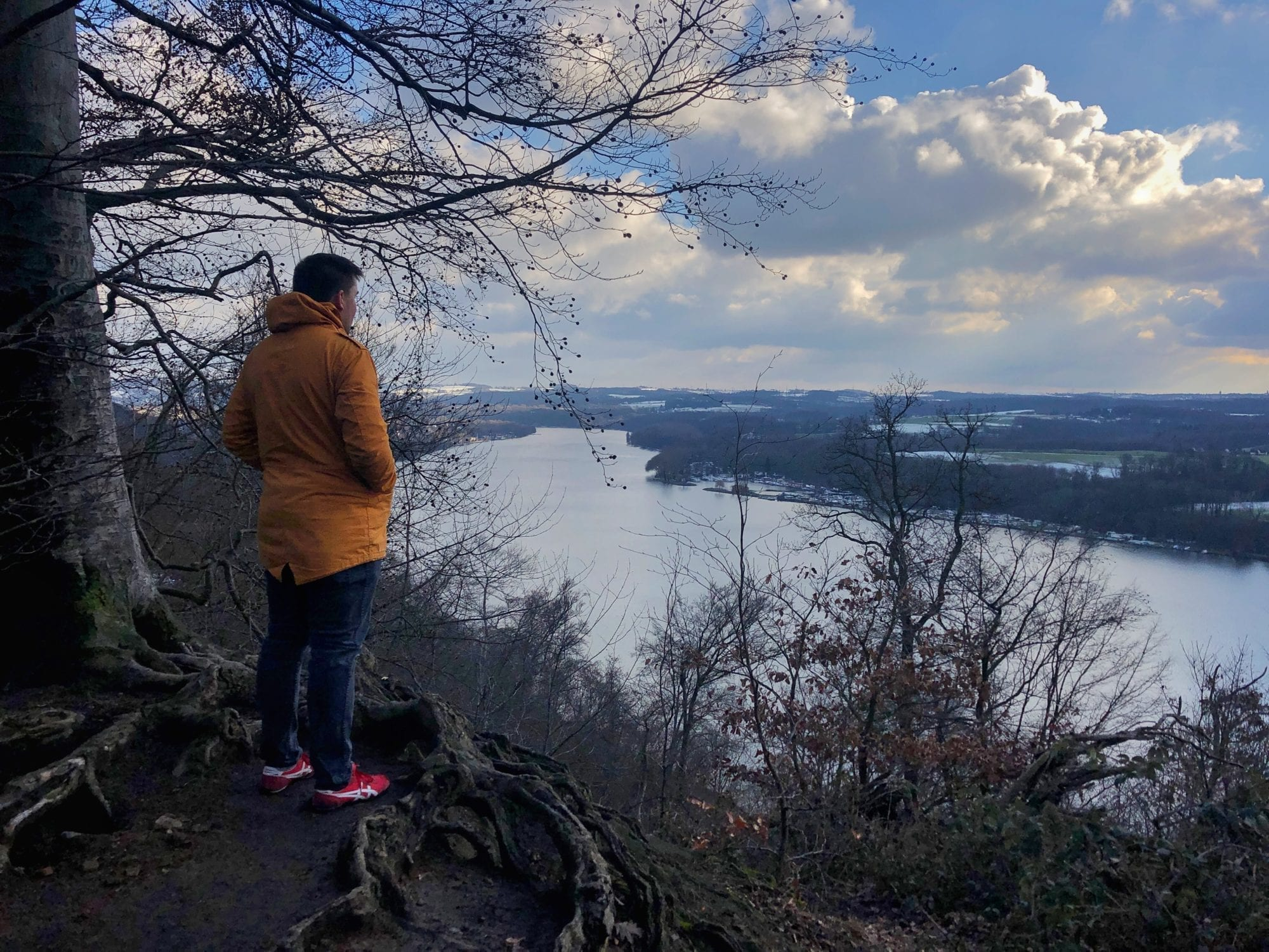 Day Trip: A Beautiful Hike Along the Baldeneysee