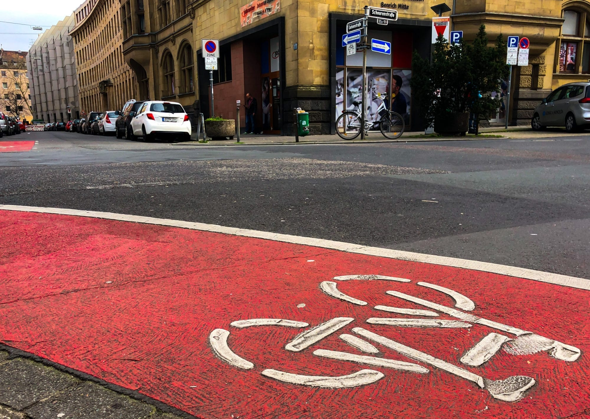 Biking in Düsseldorf: 8 Important Things You Need to Know